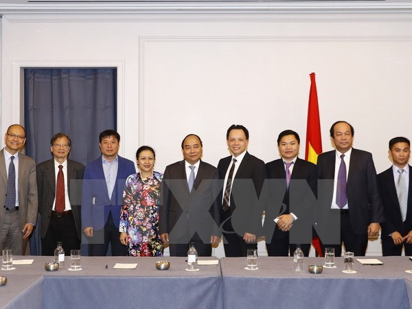 Le PM recoit des entrepreneurs et des intellectuels d'origine vietnamienne aux Etats-Unis hinh anh 1