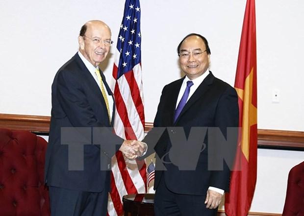 Le PM Nguyen Xuan Phuc rencontre le secretaire americain au Commerce Wilbur Ross hinh anh 1