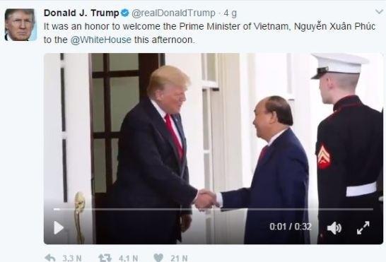 Le President americain publie une video de sa rencontre avec le PM Nguyen Xuan Phuc hinh anh 1