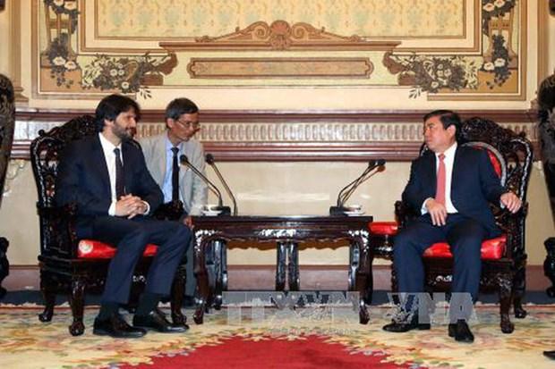 Ho Chi Minh-Ville recoit le vice-Premier ministre slovaque Robert Kalinak hinh anh 1