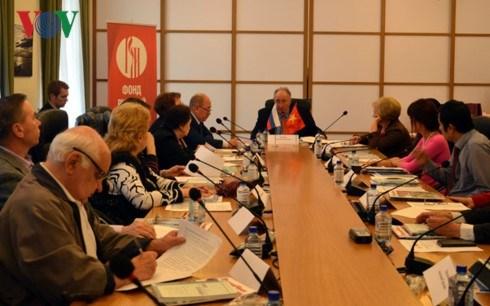 Table-ronde sur le partenariat strategique integral entre le Vietnam et la Russie hinh anh 1