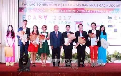 Le club d'amitie Vietnam-Espagne et les pays d'Amerique latine voit le jour hinh anh 1