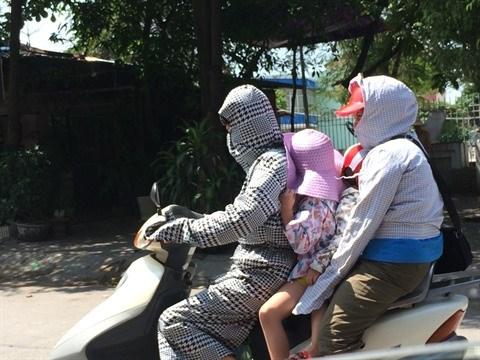 Hanoi chamboulee par la canicule hinh anh 3