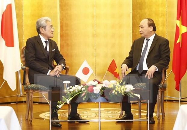 Le PM rencontre des entreprises japonaises hinh anh 1