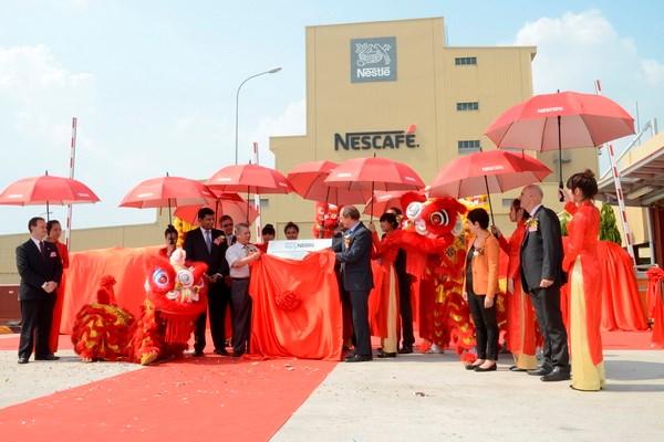 Nestle augmente ses investissements au Vietnam hinh anh 1