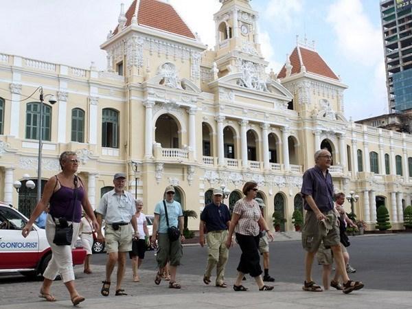 Ho Chi Minh-Ville a accueilli 2,4 millions d'etrangers depuis janvier hinh anh 1