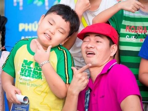 «Super Papas», une nouvelle campagne pour celebrer la paternite hinh anh 2