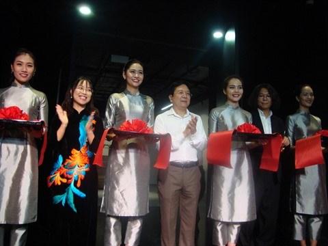 Inauguration du Centre d'art contemporain Vincom a Hanoi hinh anh 1