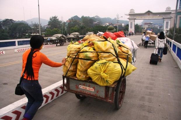 Forte croissance de l'import-export via la porte-frontiere de Lao Cai depuis janvier hinh anh 1