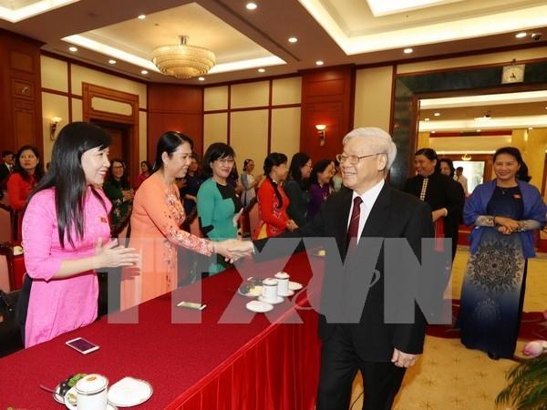 Le secretaire general du PCV rencontre les femmes deputees hinh anh 1