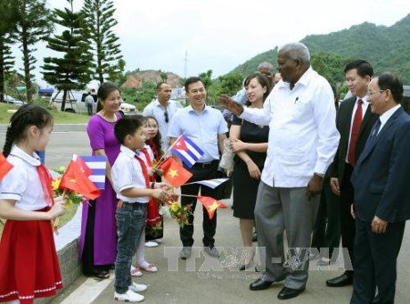 La delegation de l'AN de Cuba se rend a Son La hinh anh 1