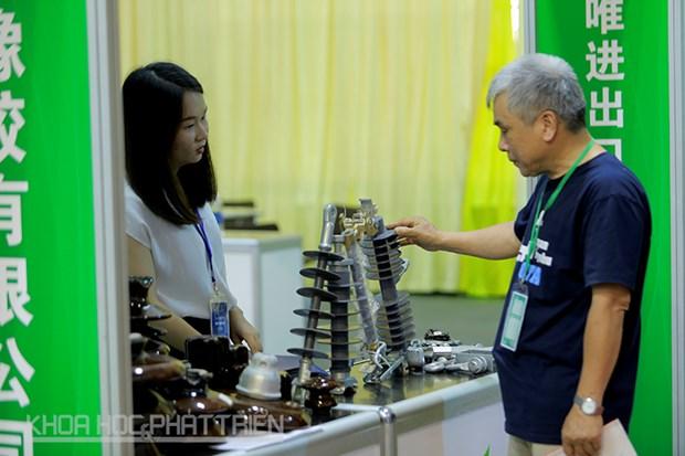 Ouverture de l'exposition de produits mecaniques et electroniques CA-Mexpo Vietnam 2017 hinh anh 1