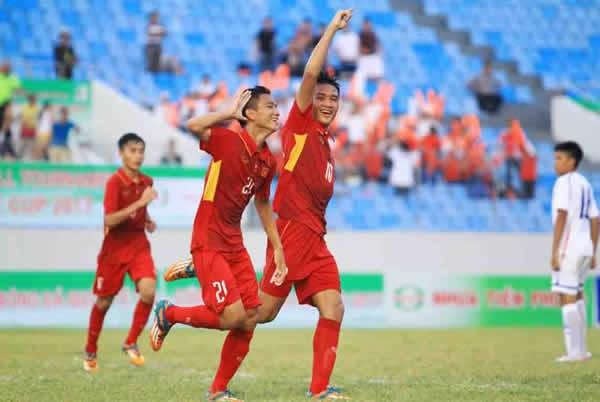 Le tournoi de football U15 commence a Da Nang hinh anh 1