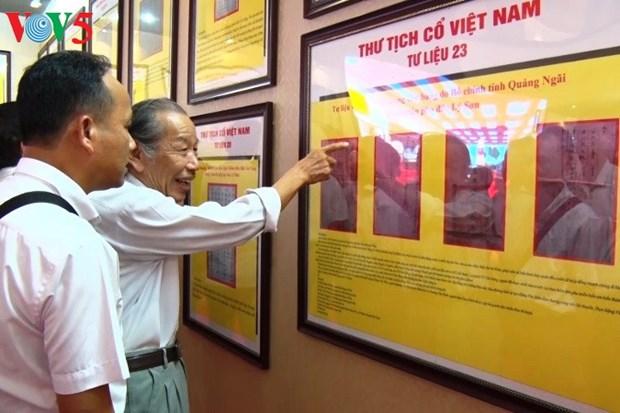 Exposition sur Hoang Sa et Truong Sa a Quang Binh hinh anh 1