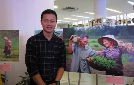 Remise des prix du concours de photographie «Les familles vietnamiennes egalitaires» hinh anh 1