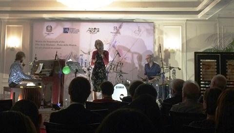 Le Metropole Hanoi fete la musique a la francaise hinh anh 1
