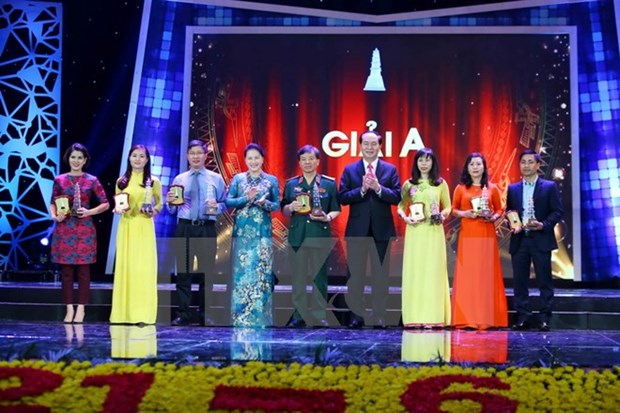 Remise des Prix nationaux de la presse 2016 hinh anh 1