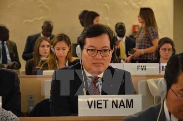 Le Conseil des droits de l'homme adopte le projet de resolution sur les changements climatiques hinh anh 1