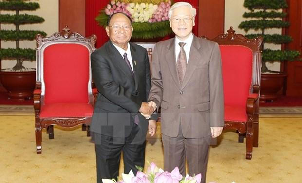 Le Vietnam accorde une grande importance aux relations avec le Cambodge hinh anh 1