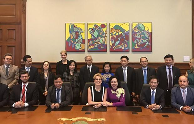 Hanoi : renforcement de la cooperation integrale avec le Canada et les Etats-Unis hinh anh 2