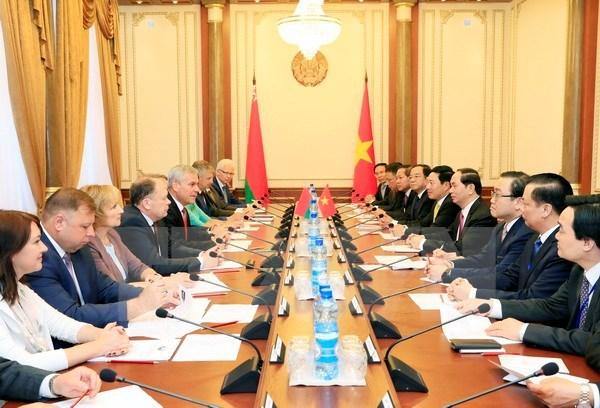 Le president Tran Dai Quang rencontre des dirigeants bielorusses hinh anh 1