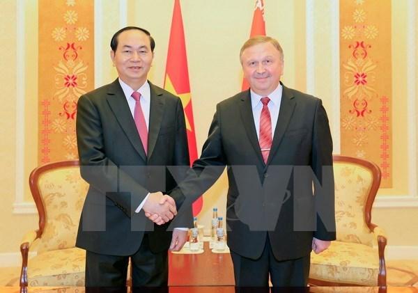 Le president Tran Dai Quang rencontre des dirigeants bielorusses hinh anh 2