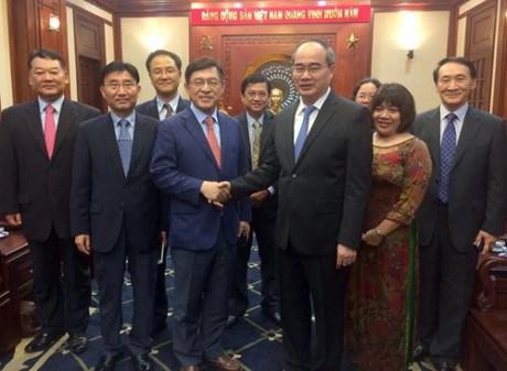 Ho Chi Minh-Ville est prete a cooperer avec Samsung hinh anh 1
