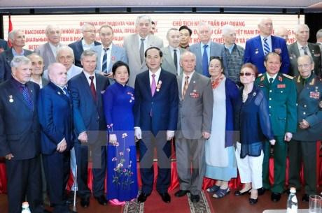 Le president Tran Dai Quang rencontre la diaspora vietnamienne et des amis russes hinh anh 2
