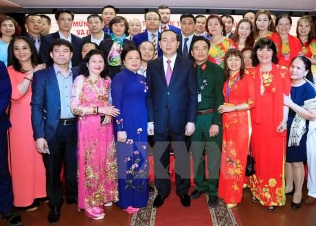 Le president Tran Dai Quang rencontre la diaspora vietnamienne et des amis russes hinh anh 1