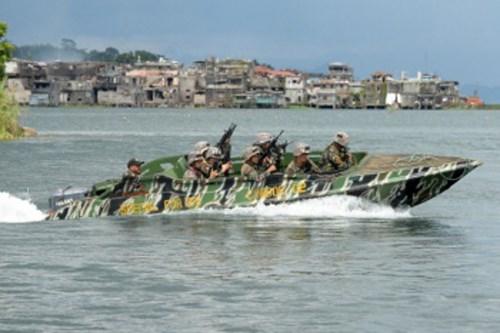 Philippines et Malaisie effectuent des patrouilles en mer pour lutter contre le terrorisme hinh anh 1