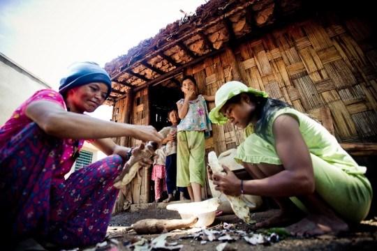 La BM aide le Vietnam a reduire la pauvrete hinh anh 1