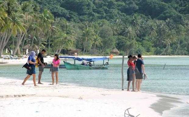 Tourisme: Kien Giang realise une recette de 2.200 milliards de dongs au 1er semestre hinh anh 1