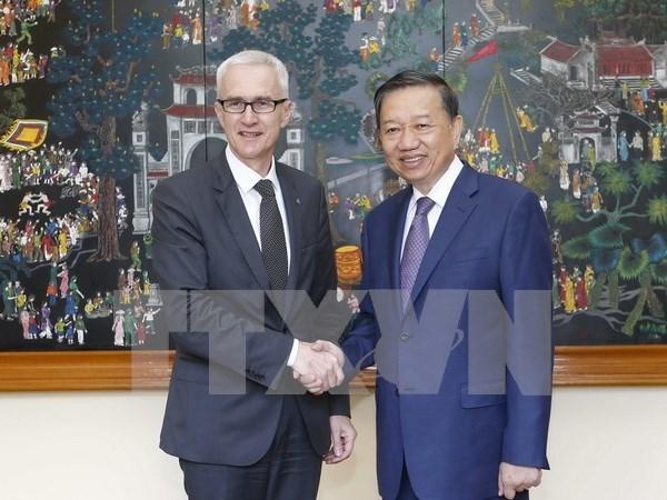 Renforcement de la cooperation entre le ministere de la Securite publique et Interpol hinh anh 1