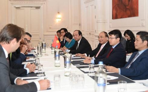 Le PM Nguyen Xuan Phuc poursuit ses activites aux Pays-Bas hinh anh 1
