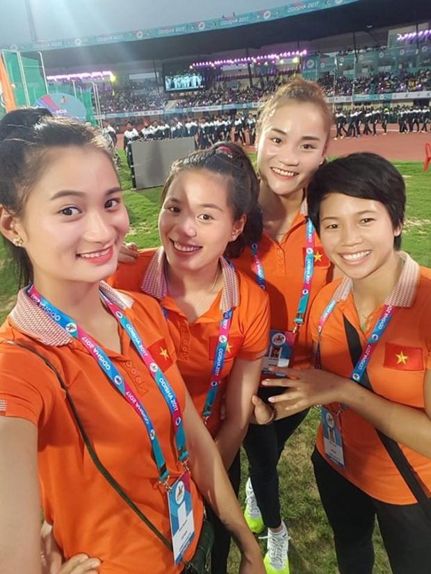 Des sportifs vietnamiens medailles d'argent lors de tournois sportifs mondiaux hinh anh 2