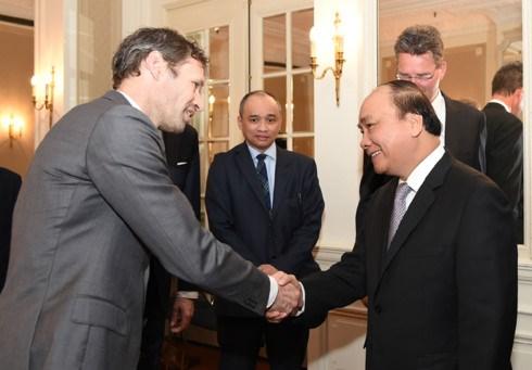Le Premier ministre Nguyen Xuan Phuc rencontre des investisseurs neerlandais hinh anh 1