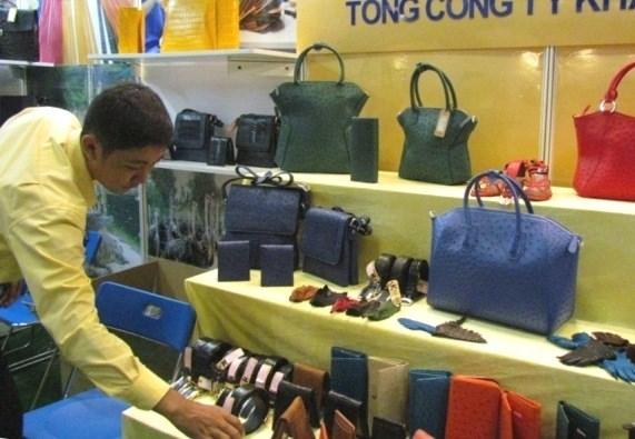 Exposition internationale du cuir et des chaussures du Vietnam hinh anh 1