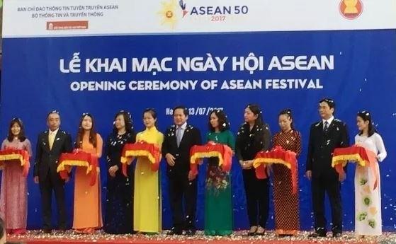 Le festival de l'ASEAN au Musee d'ethnologie du Vietnam hinh anh 1