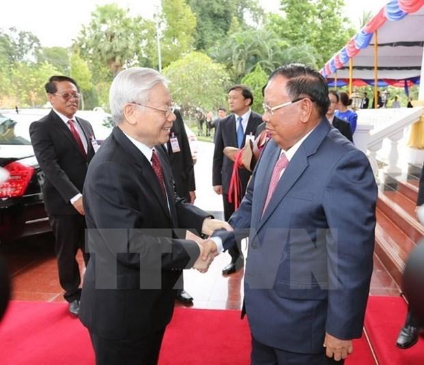 Vietnam et Laos echangent des messages de felicitations hinh anh 1