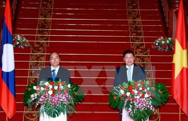 Efforts communs pour approfondir les liens Vietnam-Laos hinh anh 1