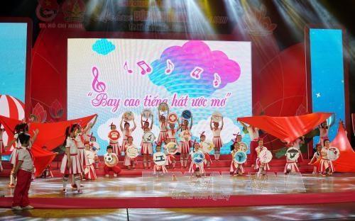 """Ho Chi Minh-Ville : plus de 3.000 enfants pour le Festival """"Lotus rose"""" 2017 hinh anh 1"""