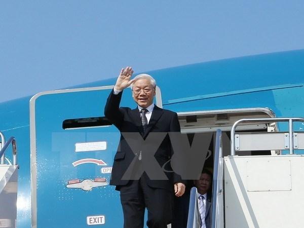 Le secretaire general du PCV part pour le Cambodge hinh anh 1