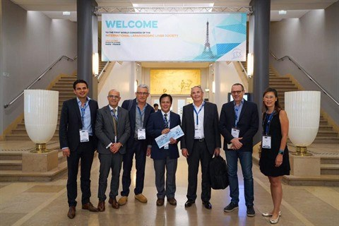Cancer du foie : le Vietnam remporte un 1er prix mondial en chirurgie laparoscopique hinh anh 1