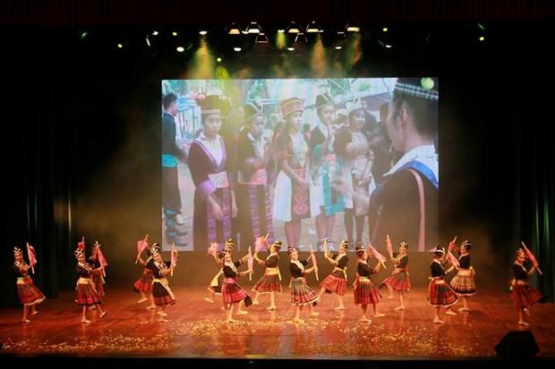 La troupe artistique nationale du Laos se produit a Thanh Hoa hinh anh 1
