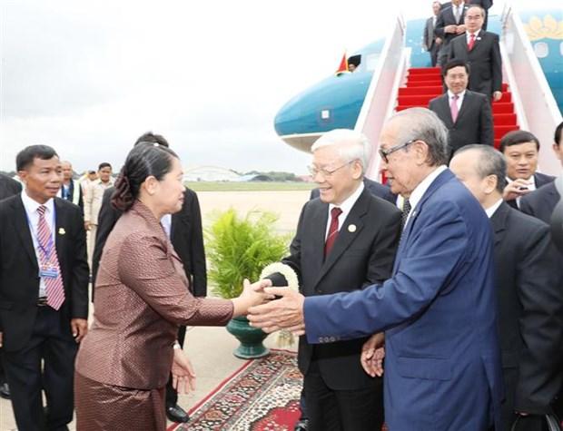 Le secretaire general du PCV arrive a Phnom Penh pour sa visite d'Etat au Cambodge hinh anh 1