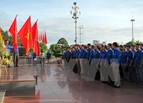 Les jeunes de Ho Chi Minh-Ville participent aux activites benevoles au Laos hinh anh 1