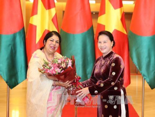 La presidente du Parlement bangladais termine sa visite au Vietnam hinh anh 1