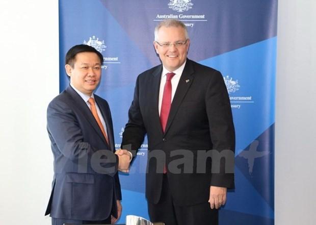 Le vice-PM Vuong Dinh Hue en visite de travail en Australie hinh anh 1