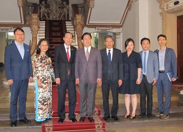 Ho Chi Minh-Ville recoit une delegation de l'association NEAR hinh anh 1