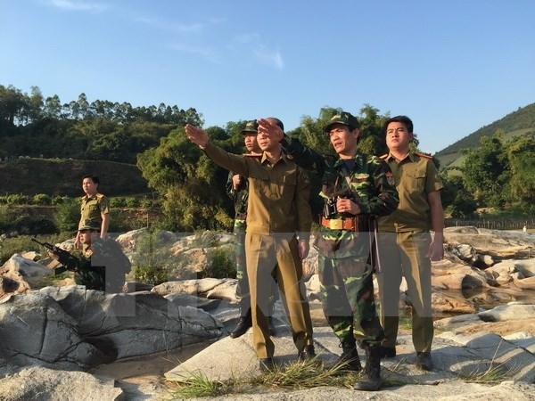 Pour edifier une frontiere de paix, d'amitie et de developpement Vietnam-Laos hinh anh 1